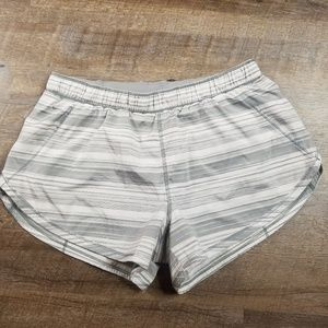 Lululemon Womens Gray Shorts size 6